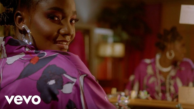 VIDEO: Simi – No Longer Beneficial